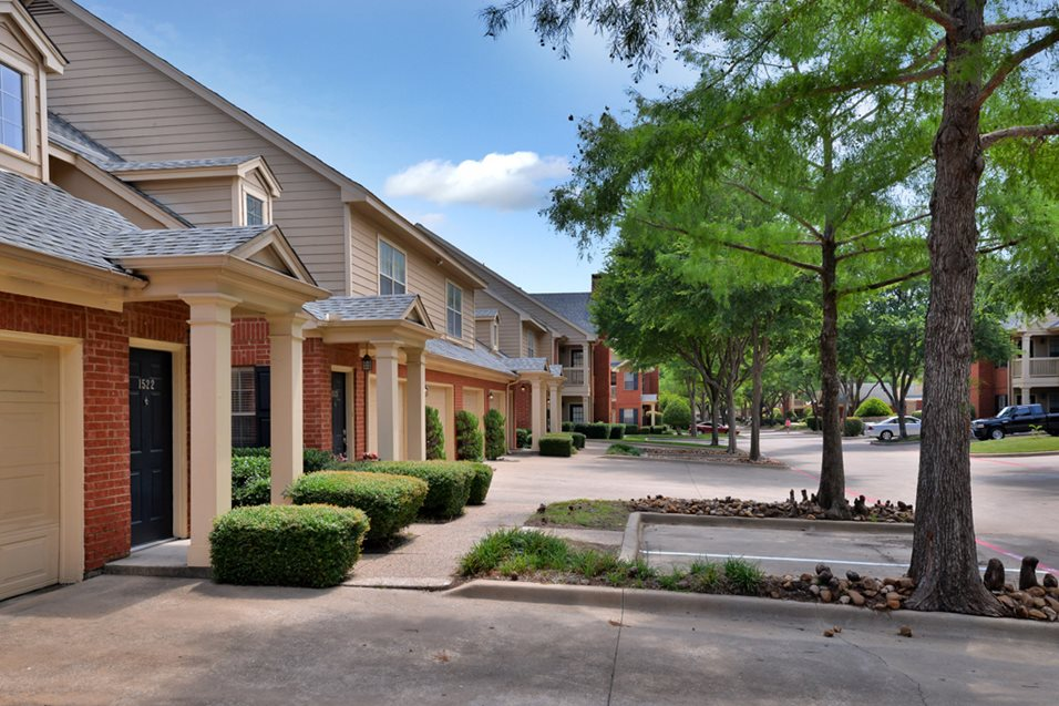 Exterior at Listing #136232