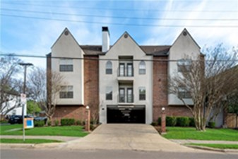 Exterior at Listing #137261