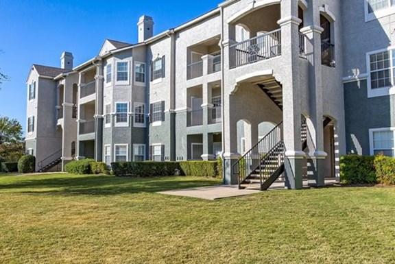 Benton Pointe Apartments