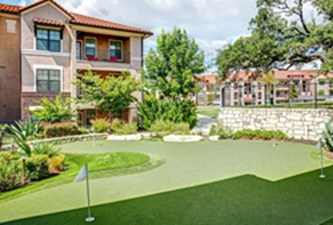Putting Green at Listing #151937