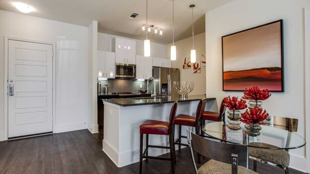 Dining/Kitchen at Listing #262895