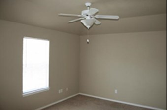 Bedroom at Listing #229183
