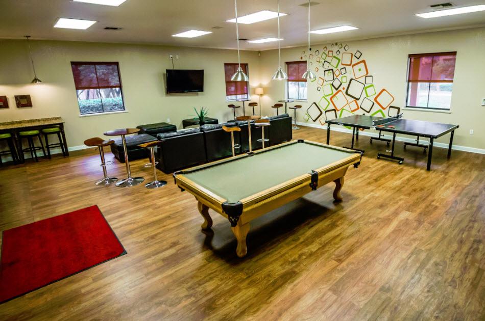 Gameroom at Listing #141483