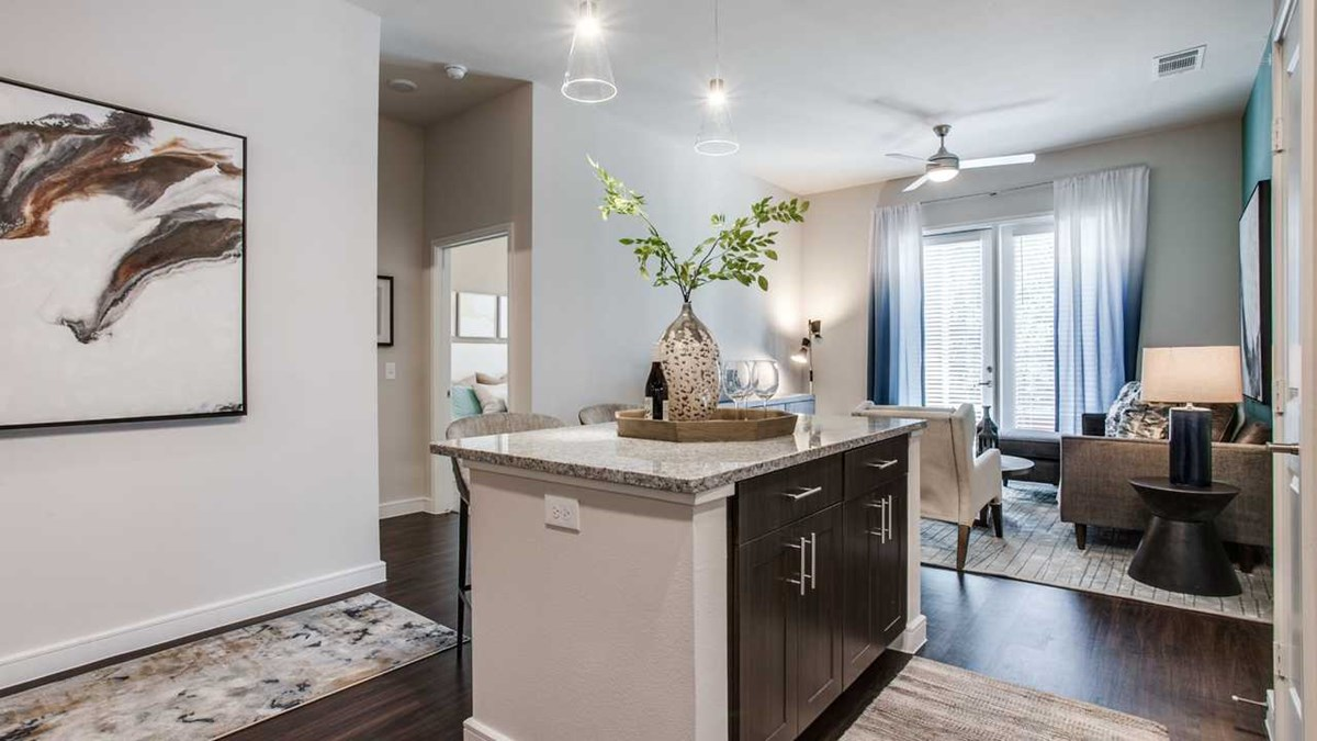 Living at Listing #302055