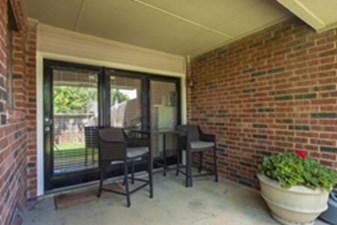 Patio at Listing #136981