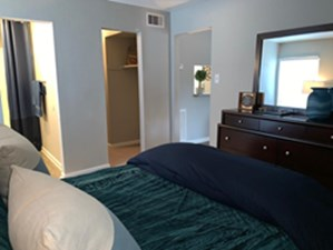Bedroom at Listing #138257