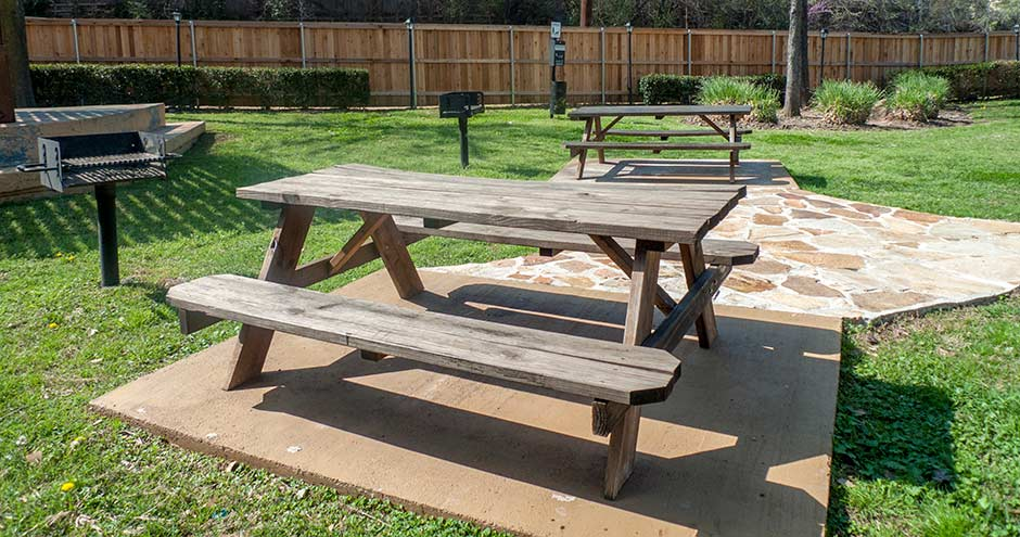 Picnic Area at Listing #136714