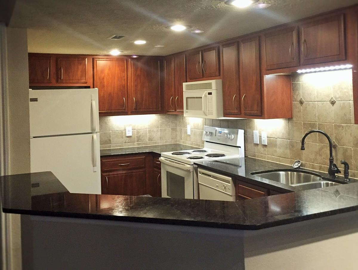 Kitchen at Listing #139655