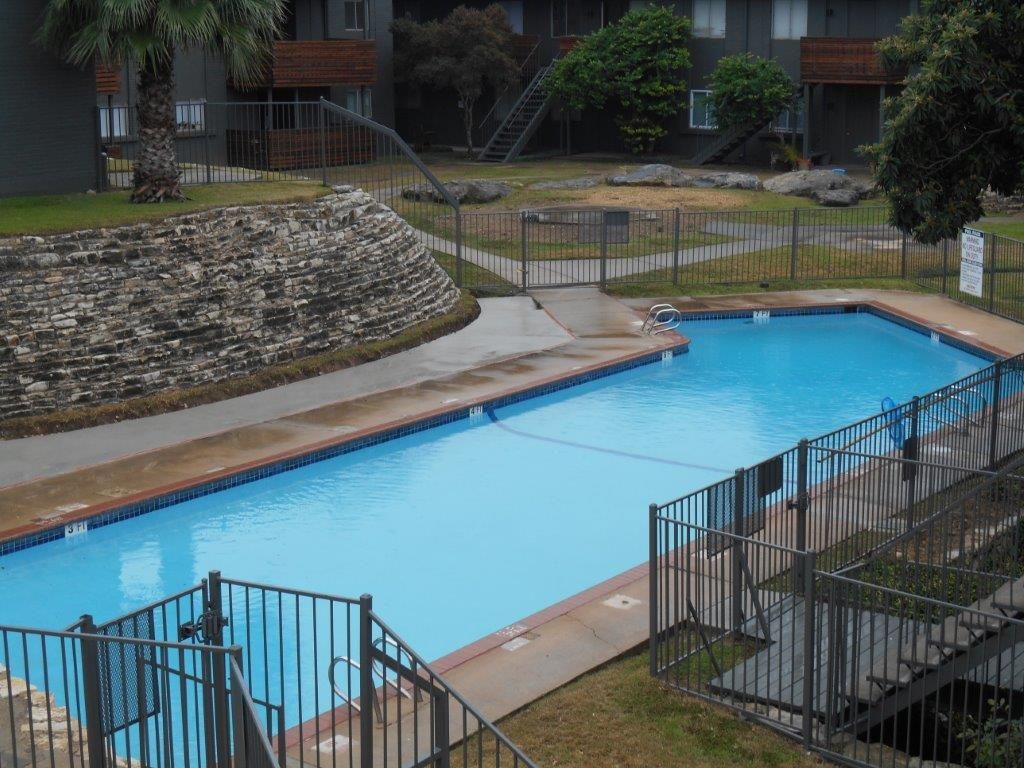 Pool at Listing #140529