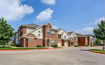 Exterior at Listing #144589