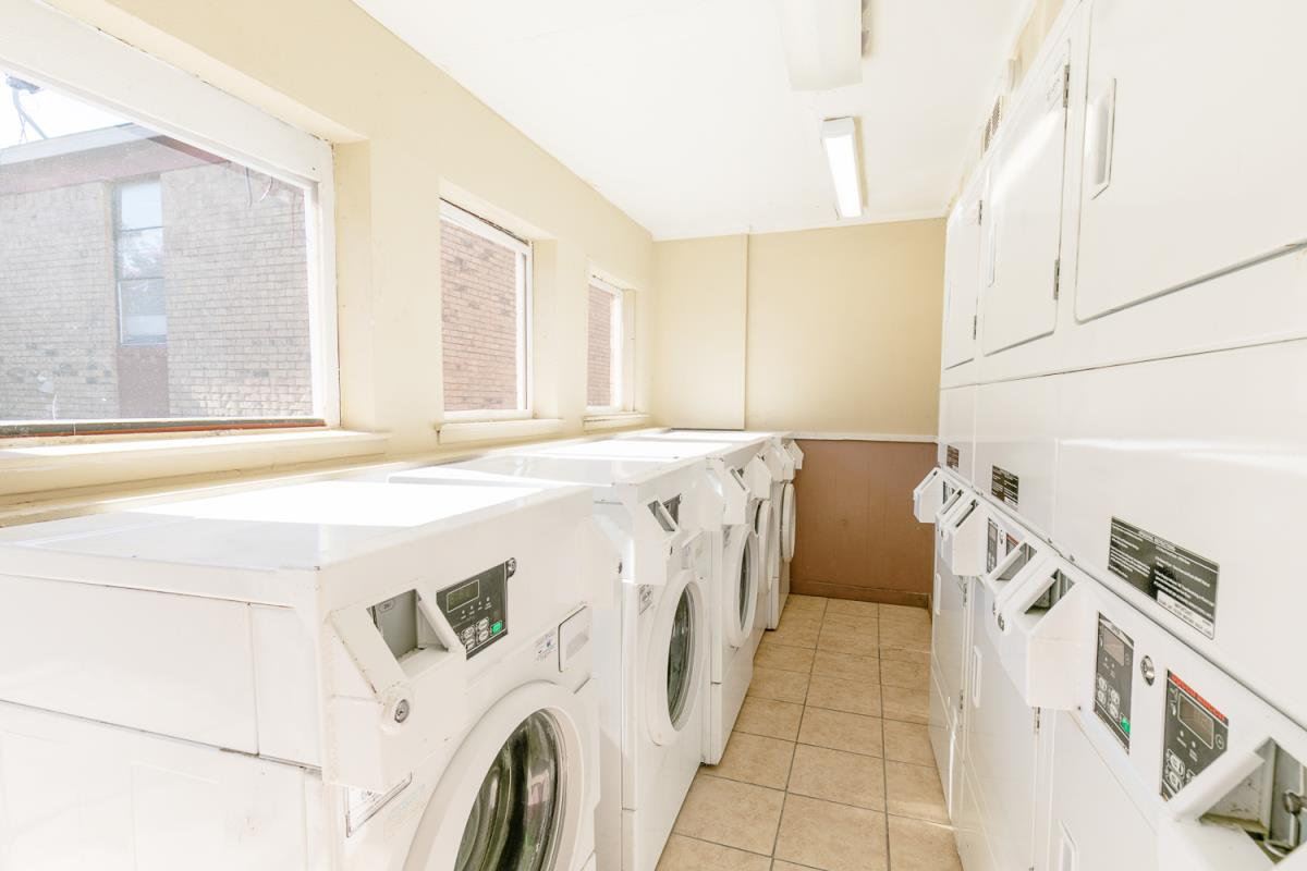 Laundry at Listing #136838