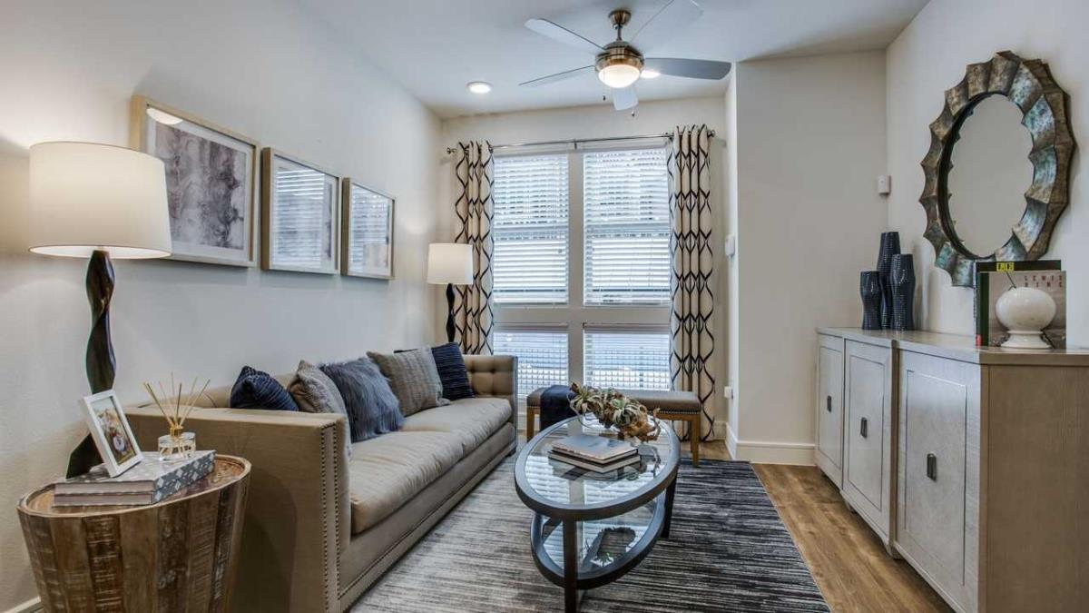 Living at Listing #227503