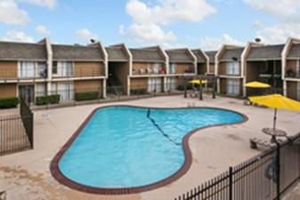 Pool at Listing #138377