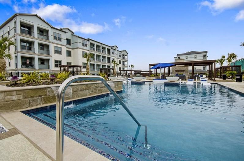 Mansions at Bayside Apartments