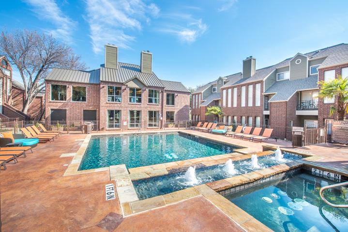 Pool at Listing #136572