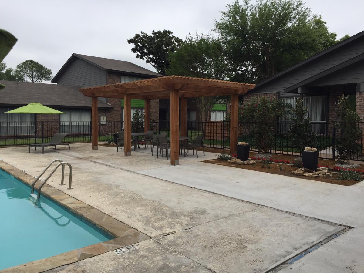 Pool at Listing #136752