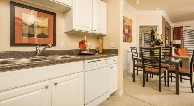 Dining/Kitchen at Listing #145721