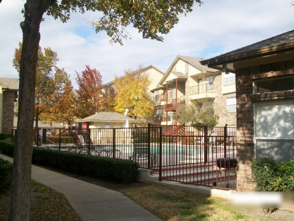 Meadows Apartments , TX