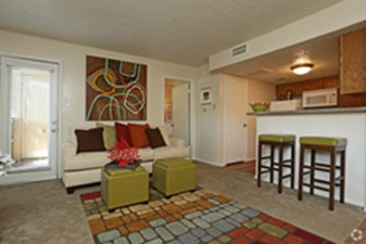 Living at Listing #136773