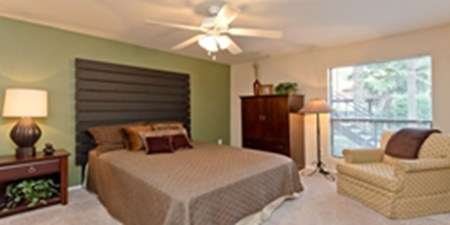 Bedroom at Listing #138940