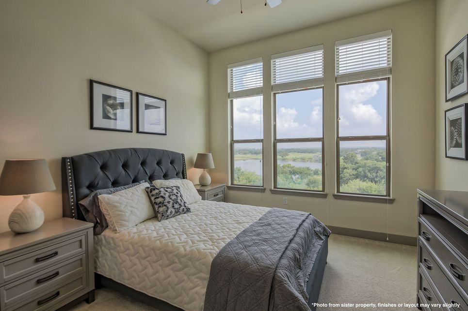 Bedroom at Listing #274979