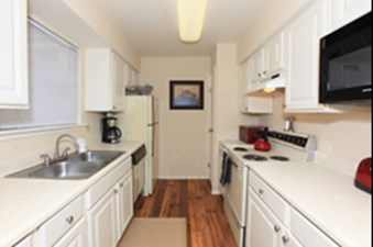 Kitchen at Listing #137008