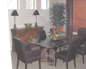 Dining at Listing #144193