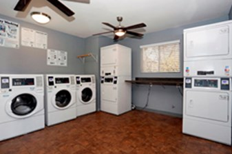 Laundry at Listing #140306