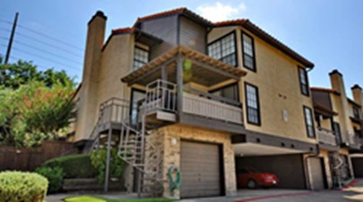 Exterior at Listing #136024