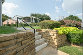 Exterior at Listing #136927