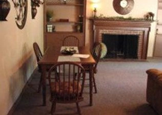 Dining at Listing #144131