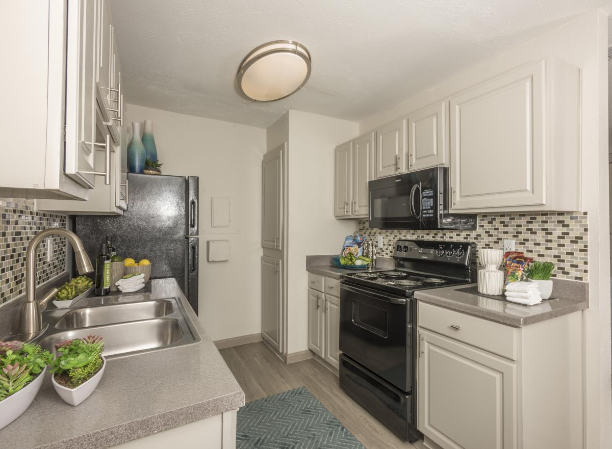 Kitchen at Listing #135853