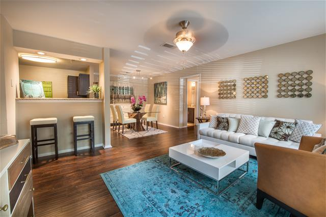 Living at Listing #139314