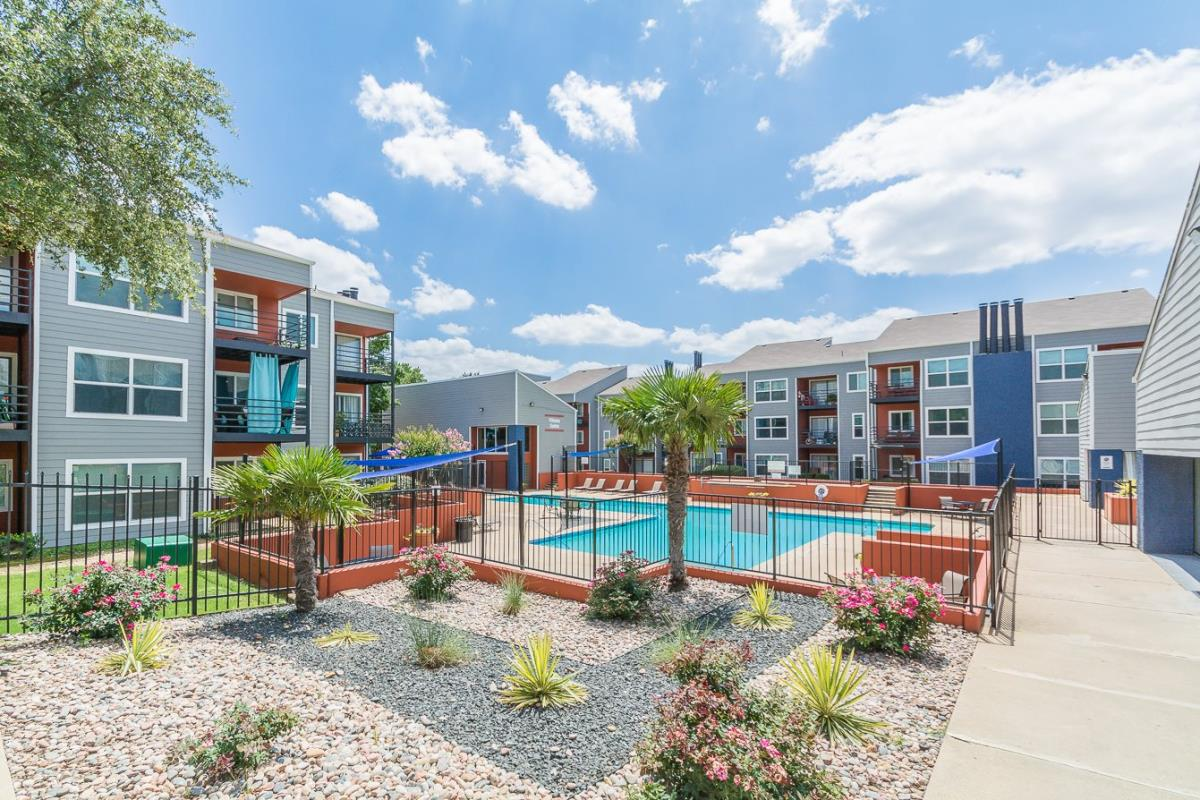 Reserve at Centreport Apartments Euless TX
