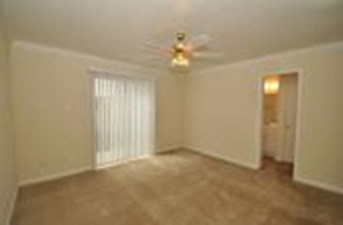 Bedroom at Listing #139081