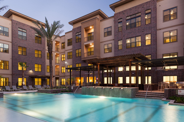 Pool at Listing #236587