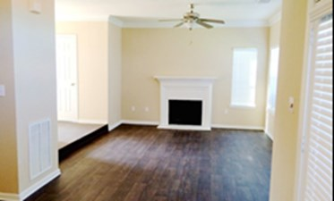 Living Room at Listing #138606