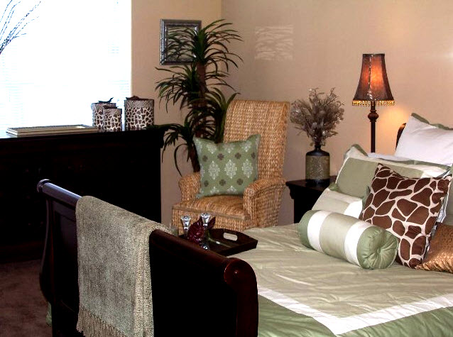 Bedroom at Listing #140102