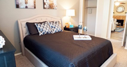 Bedroom at Listing #136940