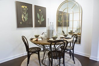 Dining at Listing #140759