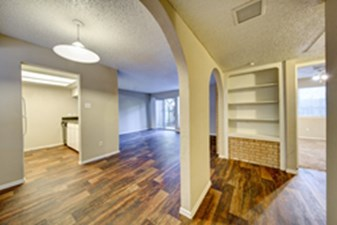 Living Area at Listing #140364