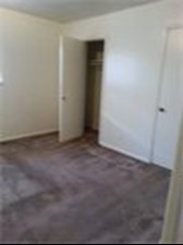 Bedroom at Listing #141277