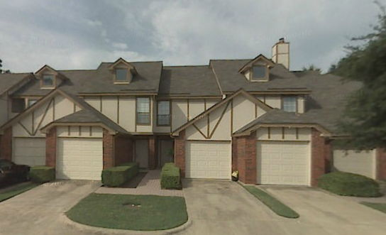 Exterior at Listing #136619