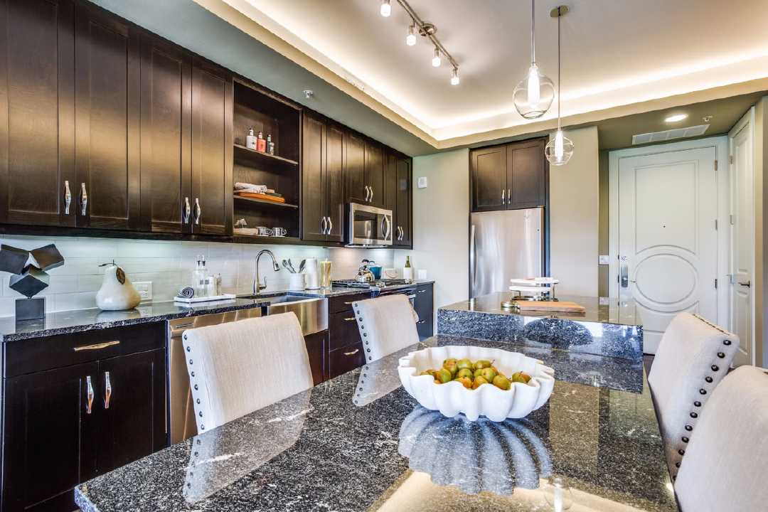 Kitchen at Listing #293539