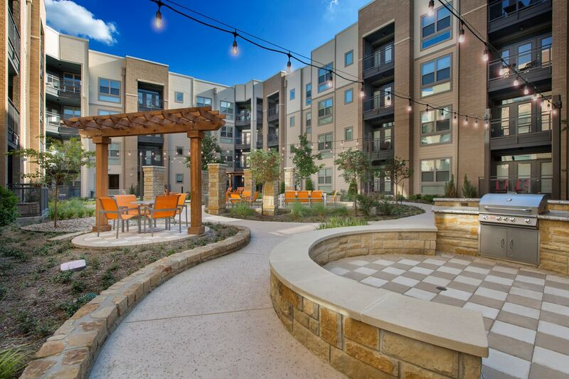 Courtyard at Listing #261347