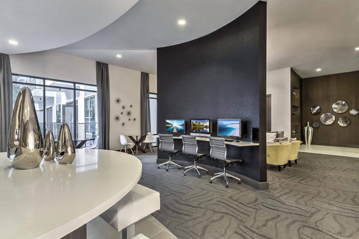 Business Center at Listing #281397
