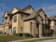 Champion Townhomes on the Green Apartments Houston TX
