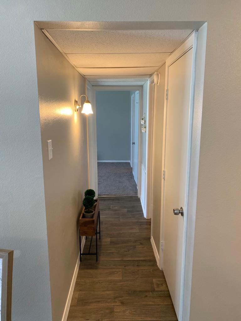 Hallway at Listing #137350