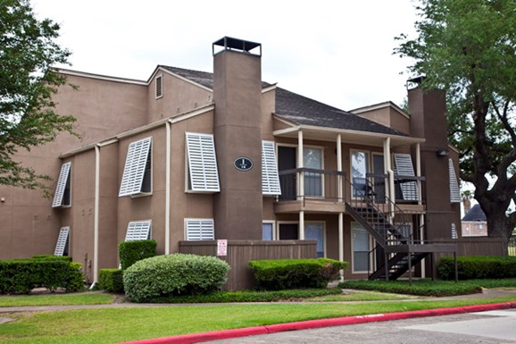 Preserve Piney Point Apartments