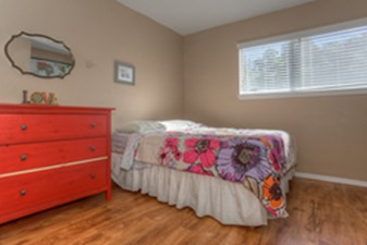 Bedroom at Listing #140218